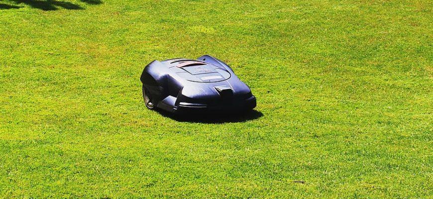 1617087678 na glav 18 870x400 - Как выбрать роботы-газонокосилки на 2021 год