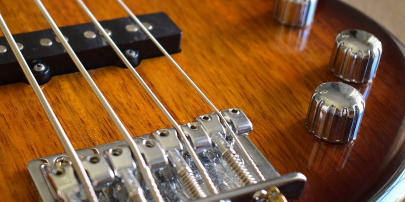 1618152259 141 3 51 800x400 - Топ лучшие бас-гитары для начинающих и профессионалов на 2021 год