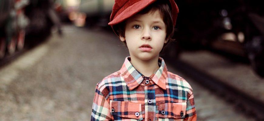 1618155911 malchik 870x400 - 👗Рейтинг лучших брендов одежды для детей на 2021 год.