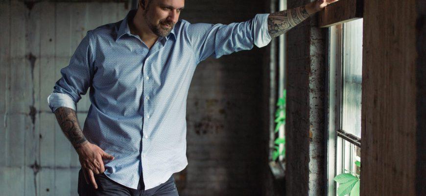 1618335669 1 7 870x400 - Рейтинг лучших брендов мужских рубашек на 2021 год