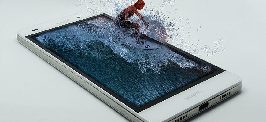 1618374686 na glav 8 870x400 - 📱 Обзор смартфонов с мощной батареей на 2021 год
