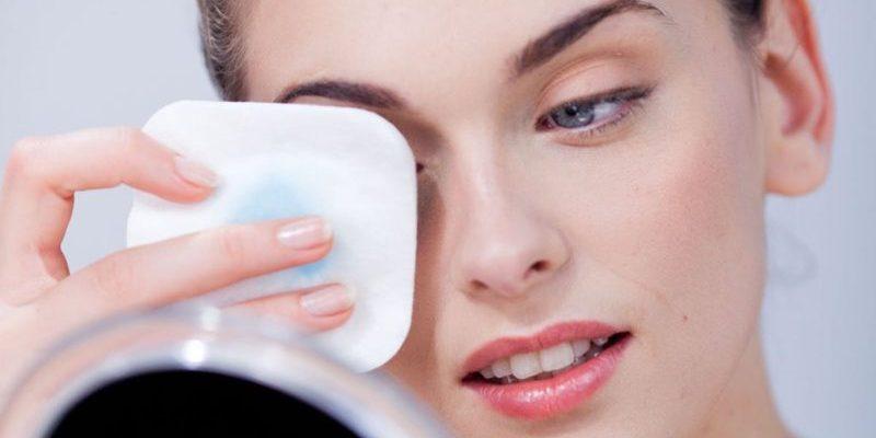 20 luchshih sredstv dlya snyatiya makiyazha 601e8a4332e81 800x400 - 20 лучших средств для снятия макияжа