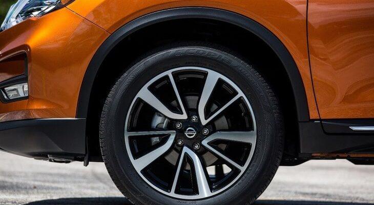 6rn8n 730x400 - ТОП лучших шин лето/зима  R17: рейтинг года и какую выбрать по цене-качеству