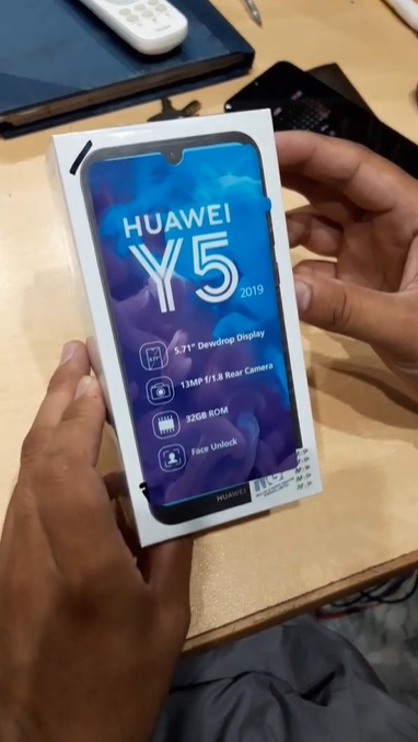 Huawei Y5 2019 3
