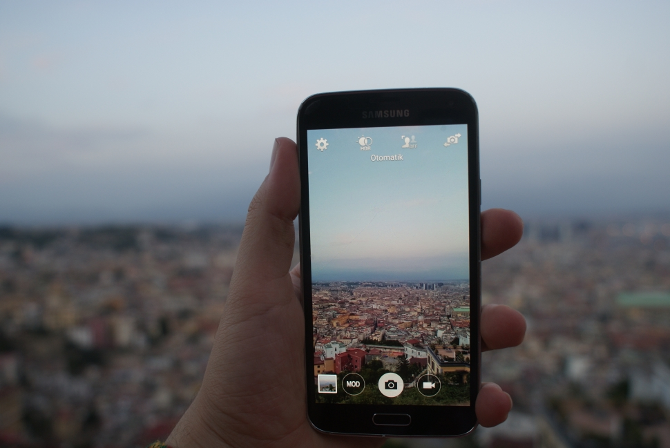 Cityscape Hand Mobile Phone Samsung Wallpaper Preview