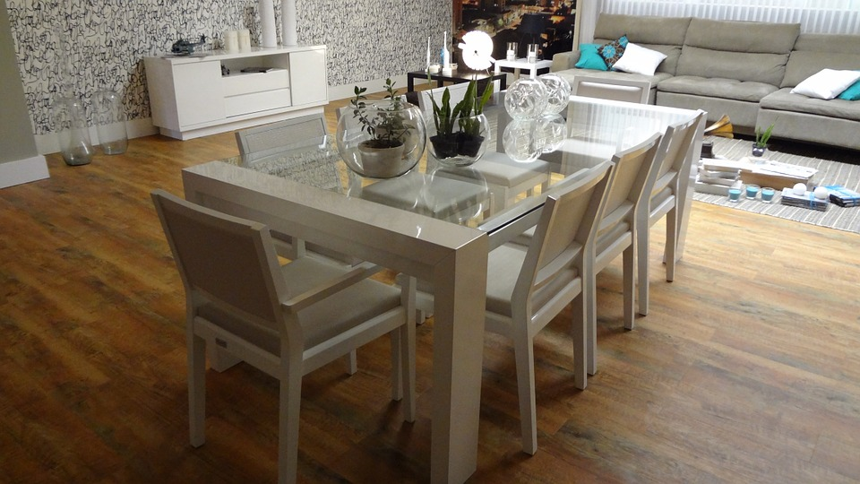 Dining Table 647008 960 720