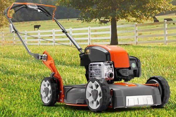 mal.0vmwn 600x400 - Топ-Хороших бензиновых самоходных газонокосилок по цене/качеству