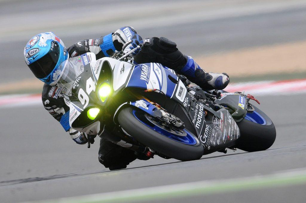 Motorcycle Racer 597913 1280 1024x680