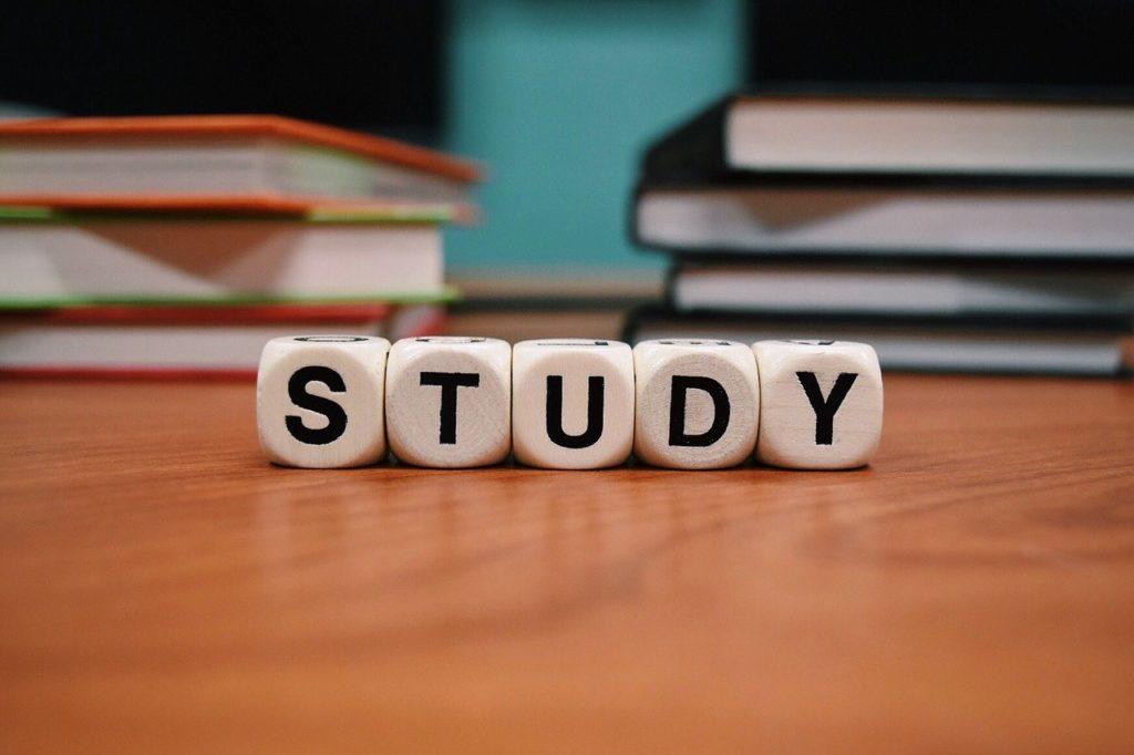 Study 1968077 1280 1024x682