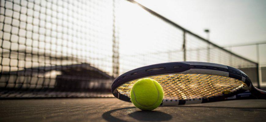 tennis allenamento2 870x400 - Как выбрать лучшие теннисные ракетки для большого тенниса на 2021 год