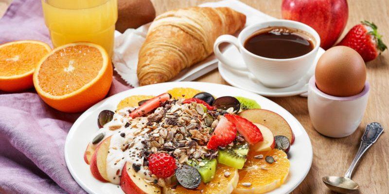 top 10 samyh vkusnyh zavtrakov 601deff918ca8 800x400 - Топ 10 самых вкусных завтраков