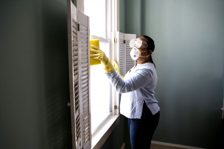 When Renovating A Home You Should Use A Damp Sponge Or Cloth To Clean Dust Collected On A Window Sill 725x483 1