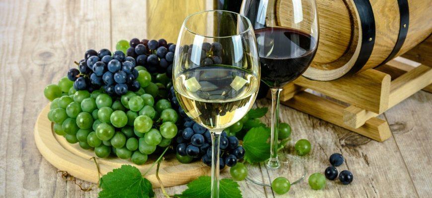 wine 1761613 1280 870x400 - 🍷Рейтинг лучших сортов марок вин Португалии .