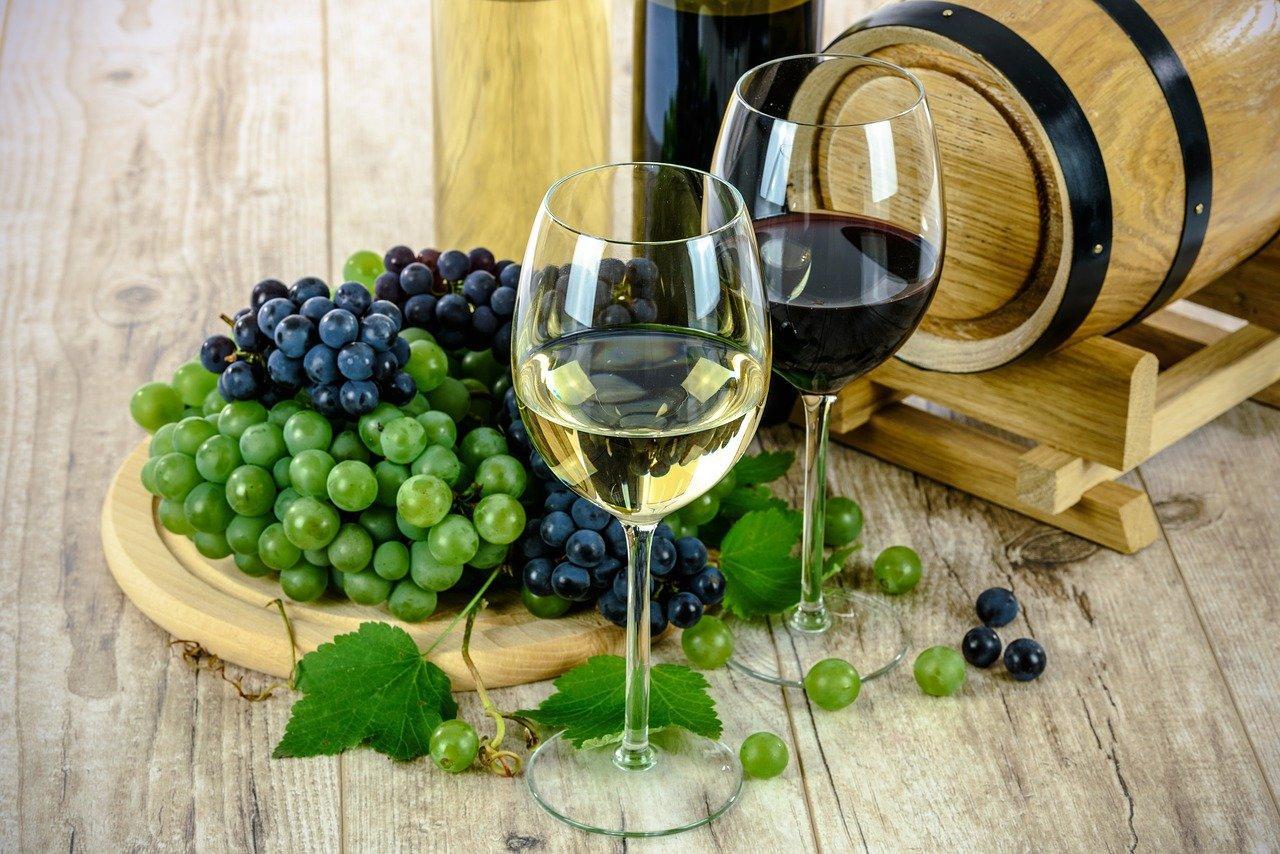 Wine 1761613 1280