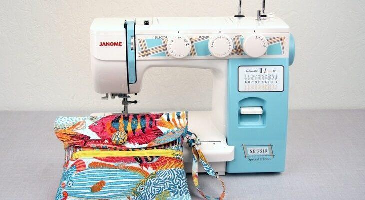 x54ew 730x400 - ТОП-рейтинг лучших швейных машинок Janome. Какую выбрать модель для домашнего пользования